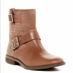 Vince Camuto Cahya Leather Booties